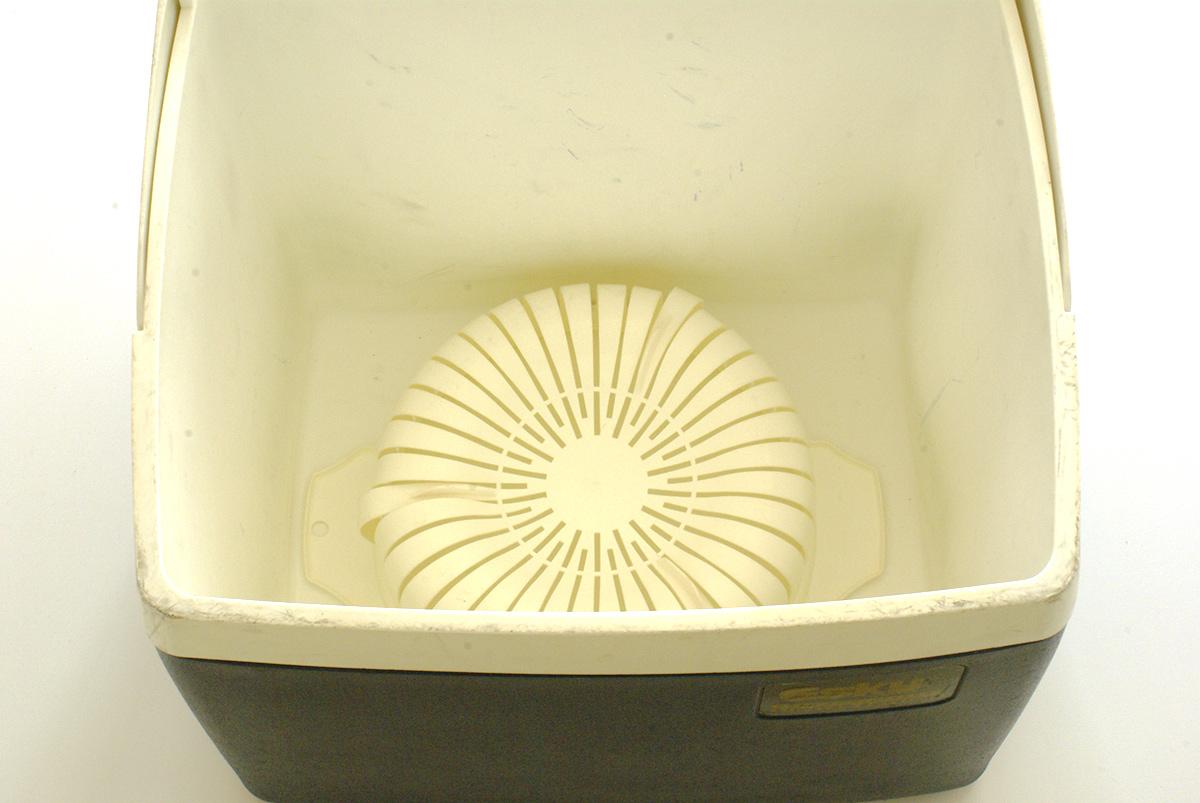 納豆作り(保温に使うクーラーボックス)
