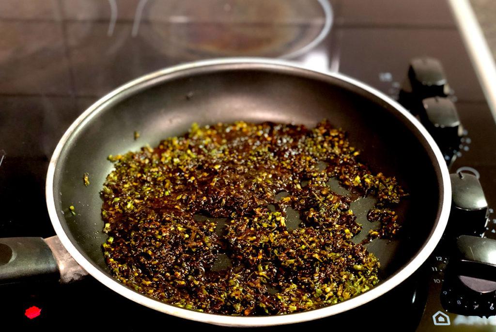 紫蘇の実と味噌の佃煮