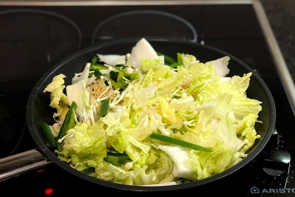anovaでつくる鶏胸肉と蒸し野菜のクリームソース