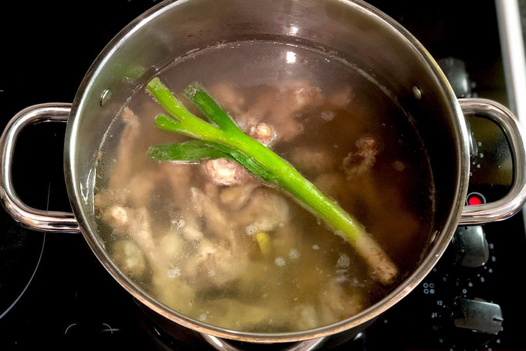 鶏ガラスープの作り方