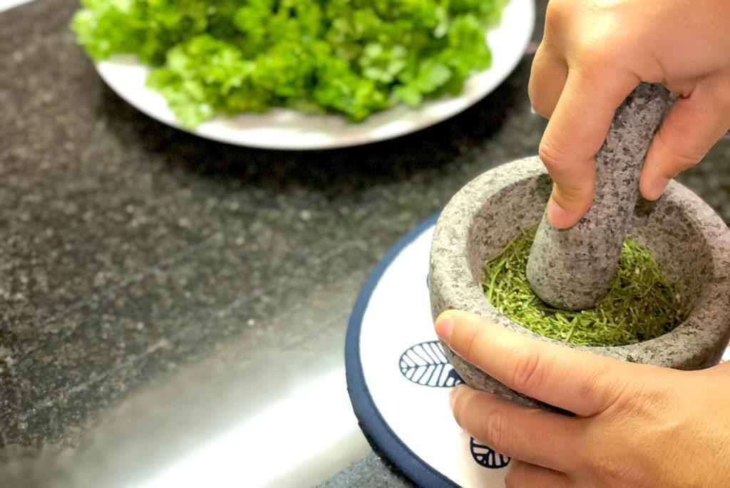 収穫したパセリで佃煮とふりかけ作り